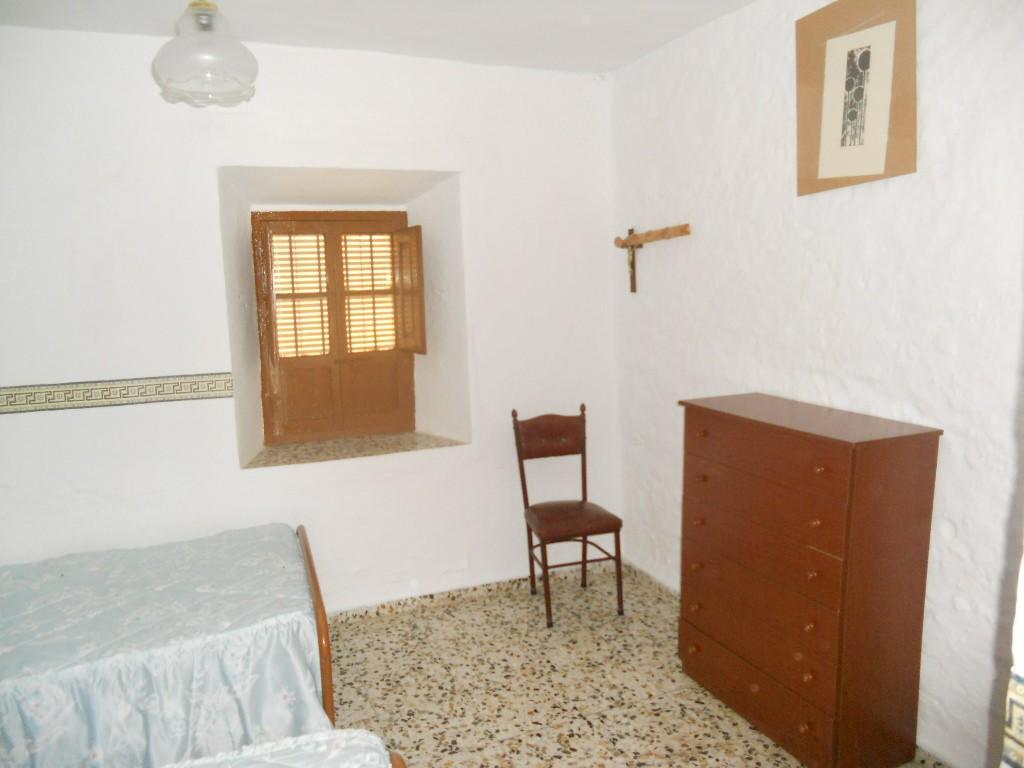 House for sale in Canillas de Aceituno, 85.000 € (Ref.: C-451)